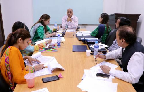"""Students in """"Media, Politics and Reporting Elections"""" class at the University of Central Punjab, Lahore."""